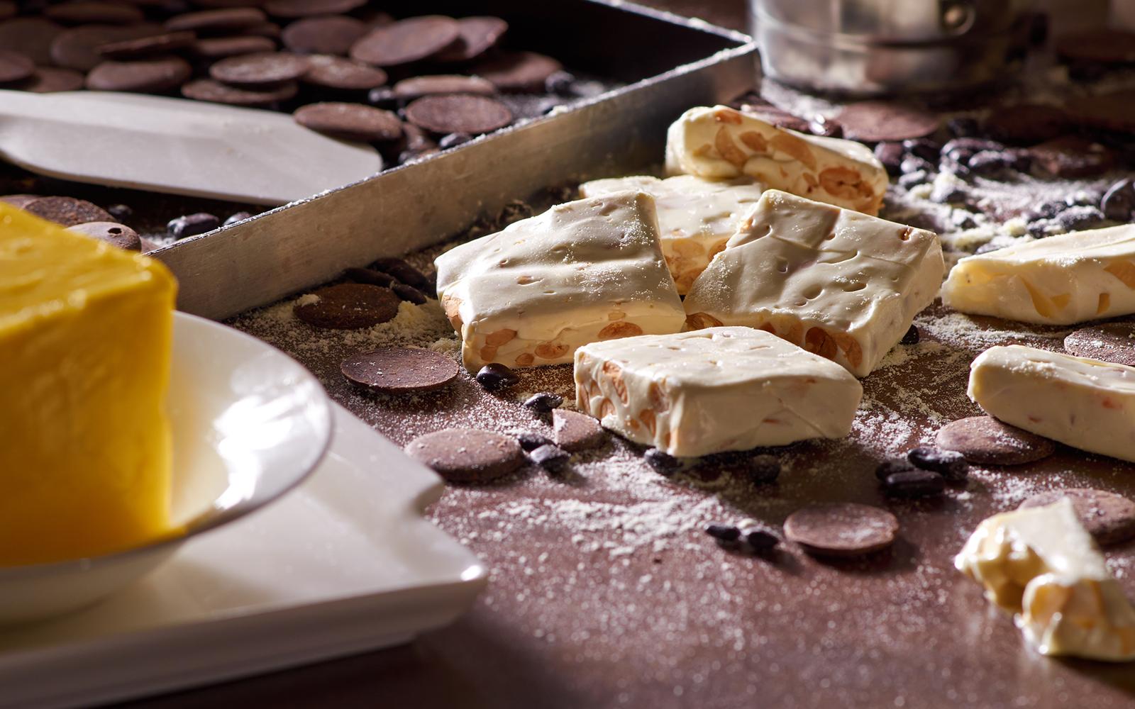 了解牛轧糖 为采用最顶级原料,纯手工制作的顶级牛轧糖.